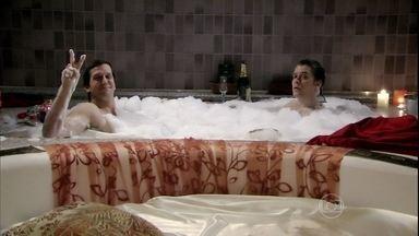 Banho de espuma: veja os personagens da TV relaxando na banheira - Divirta-se com a seleção de banhos da telinha