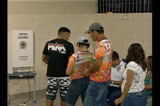 Em alguns locais de votação no PA, eleição começou com atraso e entrou pela noite - Eleitores ficaram revoltados.