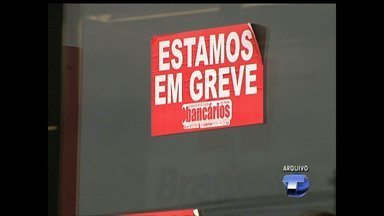 Bancários aceitam proposta de reajuste salarial e encerram greve - Somente o Banco da Amazônia continua em greve, pois não aceitou a proposta de reajuste.