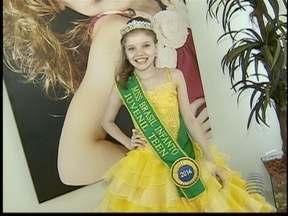 Miss Brasil Infantil conta sobre sua rotina no 'Entre Nós' - Com apenas dez anos, Gabriela Ramos se destaca nas passarelas.