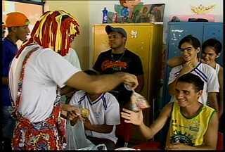 Alunos da Apae de Petrolina participam de atividades em comemoração ao Dia das Crianças - As crianças receberam presentes e doces.