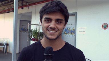 Dica! Felipe Simas explica como os menores de idade devem fazer - Quer ter certeza que a sua inscrição valeu? Fique ligado na dica do ator!