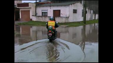Chuva causa transtornos e cancela atividades do Dia Das Crianças em Rio Grande, RS - Nenhum incidente grave foi registrado.
