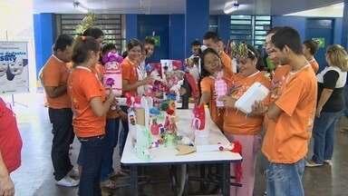 Projeto leva reciclagem de materiais a escolas de Manaus - A cada semana o 'Projeto Saci' está em uma escola diferente.