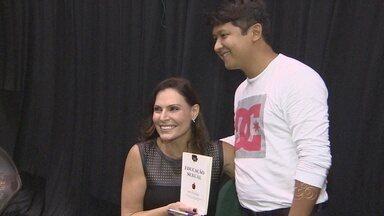 Laura Muller participa da 2ª Feira do Livro em Manaus - Evento reúne também atrações culturais, além de livros para todas idades.