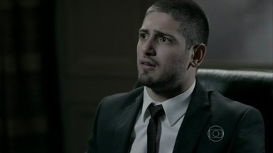 João Lucas sugere que os irmãos se unam a ele para comandar a joalheria - Ele conversa com José Pedro e Maria Clara sobre o comportamento dos pais