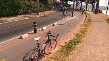Ciclistas reclamam de falta de segurança na ciclovia na Orla da Pampulha - Em alguns trechos, o riscos de acidente é grande, já que precisam dividir o espaço com pedestres ou com motoristas.