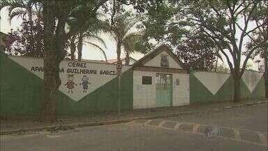 Cristais Paulista interrompe aulas de 1,6 mil alunos por causa da falta de água - Cristais Paulista interrompe aulas de 1,6 mil alunos por causa da falta de água. Pais estão revoltados. Os alunos só voltam dia 28 de outubro.