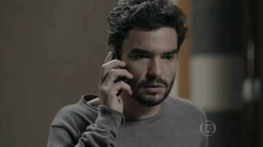 Zé Pedro e João Lucas tentam encontrar Enrico - O primogênito da família Medeiros tenta evitar que o drama do futuro cunhado se transforme em um escândalo