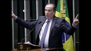 Vice de Aécio diz ter sido pessoalmente agredido em redes sociais - O candidato derrotado a vice-presidente da chapa de Aécio Neves, senador Aloysio Nunes Ferreira, foi a tribuna para falar da agressão que, segundo ele, foi orquestrada pelo PT. O senador Humberto Costa, do PT, rebateu as acusações.