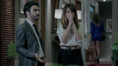 Danielle chama Maria Marta de cafetina e leva bofetada - Mulher de José Pedro não engole indireta da sogra, faz barraco, mas se dá mal