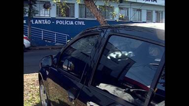 Roubo de veículos aumenta e seguros ficam mais caros em Londrina - A recuperação de veículos na cidade ainda é pequena e as seguradoras cobram a conta dos proprietários. Em outros municípios do mesmo porte, os seguros são, em média, 10% mais baratos.