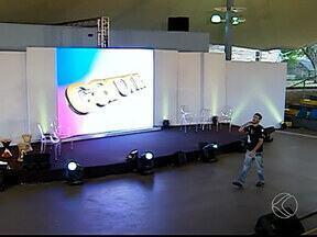 Programa Carona, da TV Integração, completa 5 anos com programação especial - Gravação da edição de aniversário foi feita com cantores, artistas e um público especial.