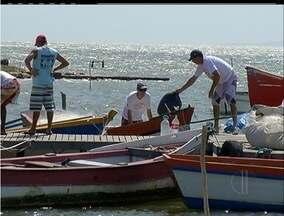 Pescadores não receberam auxílio em período de defeso total na Lagoa de Araruama, RJ - A partir deste sábado (1),os trabalhadores podem voltar a praticar suas atividades.