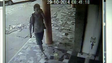 Polícia procura bandidos de assaltos a comércios no bairro José Walter - Câmeras flagraram mais recente ação deles. Foi uma loja de confecção. Para denuncir, ligue 190.