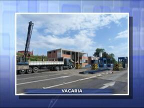 Pedágio desativado em Vacaria, RS, é destruído - Trabalho deve seguir por mais 30 dias.