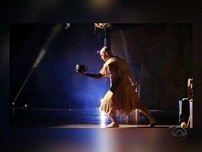 JA conversa com a bailarina Ana Botafogo e o ator Daniel Lobo - JA conversa com a bailarina Ana Botafogo e o ator Daniel Lobo sobre o espetáculo que estreia neste sábado em Florianópolis. Confira no vídeo!