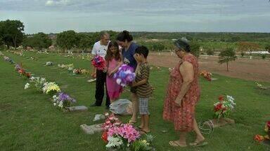 Cemitérios de Cuiabá entram em programação especial para Dia de Finados - Os cemitérios de Cuiabá adotarão programação especial neste domingo para o Dia de Finados.