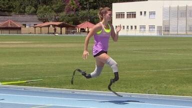 Fenômeno das pistas visita Rio de Janeiro e se diz ansiosa para os Jogos Paralímpicos - A holandesa Marlou Van Rhijn, de 23 anos, compete pela categoria T44 e é a biamputada mais rápida do mundo.