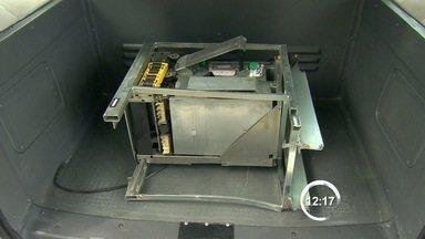 Quadrilha explode caixas eletrônicos na fábrica da Panasonic em São José, SP - Ação aconteceu na madrugada desta segunda-feira (3).