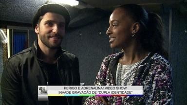 Edu de Dupla Identidade ataca novamente e o Vídeo Show confere os bastidores - Bruno Gagliasso e Luana Piovani prometem fortes emoções na série