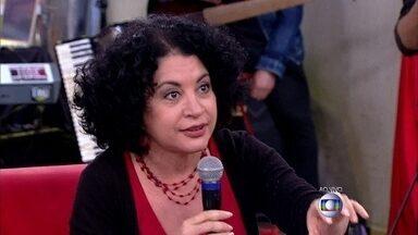 Viviane Mosé explica diferença de paixão e ação - 'A paixão mobiliza você', diz especialista