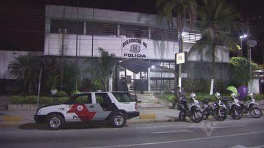 Tenente da Polícia Militar foi baleado em operação, em Guarujá - A bala atingiu o colete do militar, dois suspeitos foram feridos
