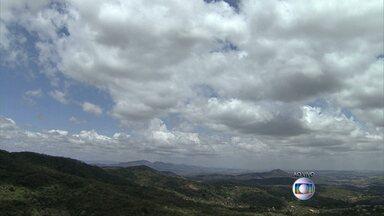 Pancadas de chuva podem atingir a Região Metropolitana de Belo Horizonte nesta terça-feira - A previsão é de tempo instável para as cidades da Grande BH. A temperatura em Belo Horizonte pode chegar a 31 graus.