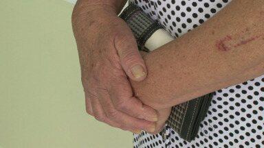 Idosos terão que ser atendidos em até 45 dias em Guarapuava - Projeto de lei aprovado na Câmara de Vereadores quer diminuir tempo de espera para idosos marcarem exames e consultas nas unidades de saúde.