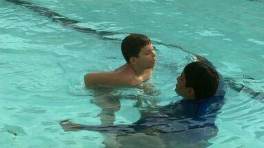 Natação muda vida de garoto autista - Conheça a história do pequeno Daniel.