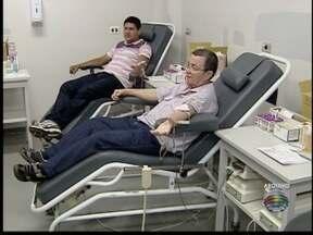 Fim de ano é período de preocupação nos bancos de sangue - Doações têm queda durante festas.
