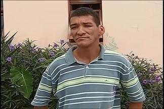 Centro de Uberlândia busca informações sobre deficiente encontrado na cidade - Suspeita é de que homem surdo de 38 anos tenha vindo da Bahia. Deficiente auditivo está em centro para pessoas em situação de rua.