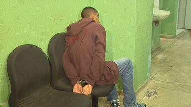 Rapaz é preso após assaltar casa em Ribeirão Preto - Homem foi encontrado com veículo da vítima em bairro da cidade.