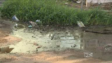 Falta de infraestrutura na Vila Luizão é motivo de reclamação dos moradores - Falta de infraestrutura na Vila Luizão é motivo de reclamação dos moradores