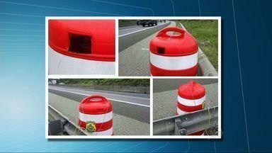 Polícia Rodoviária usa radar 'camuflado' de cone de trânsito - Foto do radar circula pelas redes sociais.