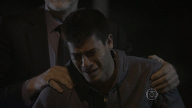 Malhação - capítulo de terça-feira, dia 25/11/2014, na íntegra - Alan salva Duca, mas sofre um acidente causado por Lobão