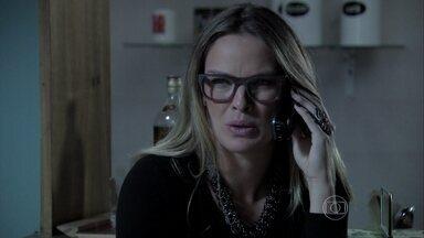 Érika descobre sobre o acidente de Du - Danielle conta paraa jornalista que Du caiu da escada. Téo escuta a conversa e fica interessado
