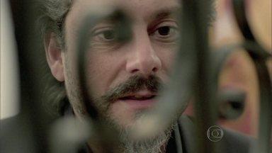 Zé Alfredo flagra inimigos juntinhos - Téo Pereira e Maurílio se unem contra o rival; reveja