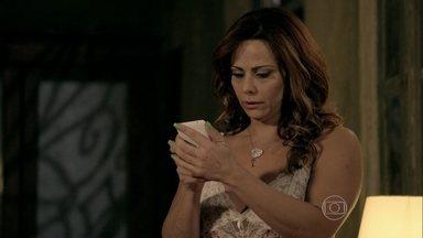 Naná recebe uma mensagem de Antônio - Juju e Xana conversam sobre a possível adoção de Luciano pela manicure