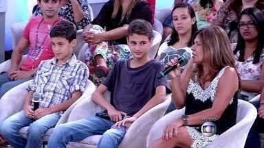 Márcia entrega que o filho Marco Vitor está em prova final em todas as matérias - O irmão do menino passou direto e não deu trabalho para a mãe