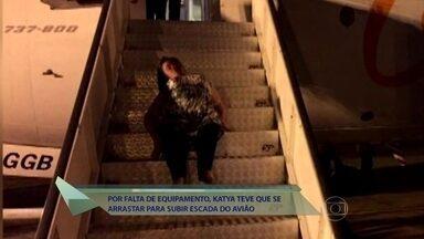 Fátima mostra o caso da cadeirante que se arrastou em escada de avião para poder embarcar - Katya Hemelrijk da Silva conta porque preferiu subir sozinha após companhia aérea não providenciar o equipamento