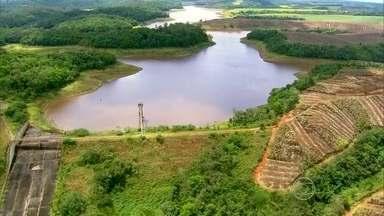 Quatro cidades do Grande Recife entram em racionamento - Nível baixo de barragem provocou o rodízio de água.