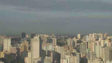 Temperatura deve chegar aos 29Cº nesta quinta-feira (4) em Campinas - Termômetros marcaram 21ºC na cidade, mas temperatura deve aumentar ao longo do dia. Mesmo assim, há possibilidade de chuva.