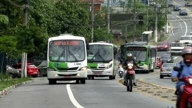 Empresas de ônibus descumprem acordos estabelecidos em contrato - Segundo a auditoria, contratada pela Prefeitura, uma em cada dez viagens não é cumprida. De 37 itens de qualidade avaliados dentro dos ônibus, 20% não estão de acordo com o contrato.