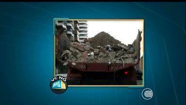 Telespectador denuncia caminhão com caçamba aberta transportando de maneira irregular - Telespectador denuncia caminhão com caçamba aberta transportando de maneira irregular