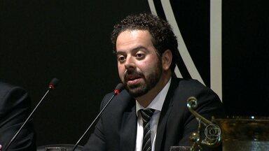 Daniel Nepomuceno é o novo presidente do Atlético-MG - Vice-presidente na era Kalil, Daniel Nepomuceno é aclamado como novo presidente do clube para os próximos três anos.
