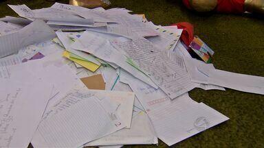 Correios recebem cartinhas com pedidos de Natal em Cuiabá - Correios recebem cartinhas com pedidos de Natal.