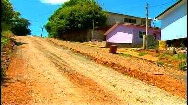 Bairro Morada do Sol, em Erechim, RS, tem ruas sem asfalto - Moradores contam que quando chove a situação fica crítica.