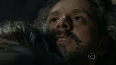 Comendador coloca Cora para dormir em Império; reveja! - Vilã pega no sono antes de noite de amor