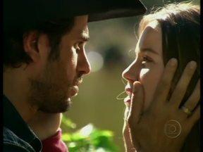 Nathalia Dill e Eriberto Leão recordam o romance de Santinha e Zeca, em Paraíso - Novela de Benedito Ruy Barbosa foi ao ar em 2009